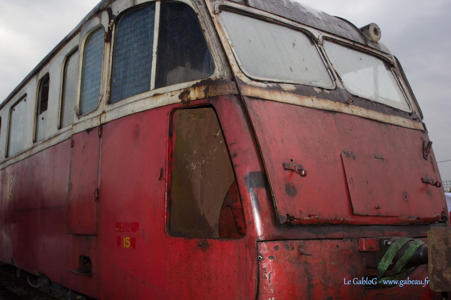 Un autorail en cours de restauration